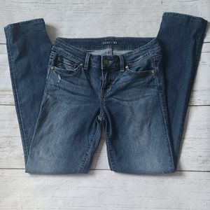 Level 99 Skinny Jeans Size 26 Mid Rise